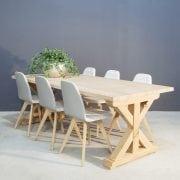 Landelijke eettafel gemaakt van massief eikenhout | Concept Table
