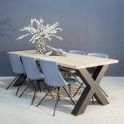 Massief eiken tafel met industriële kruispoot K-3 ZW | Concept Table