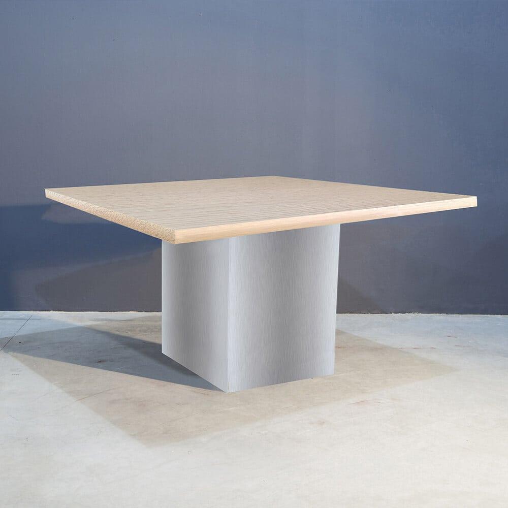 Robuuste Vierkante Eettafel.Robuust Vierkante Tafel Met Rvs Kolompoot Concept Table