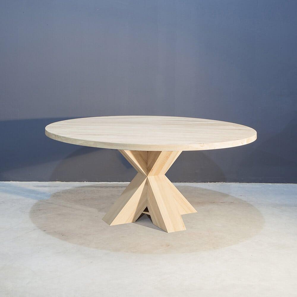 Ronde eiken tafel met stoere kruispoot concept table for Ronde eiken eettafel