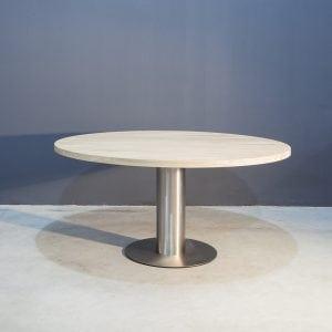 Ronde eikenhouten tafel met RVS Kaal | Concept Table