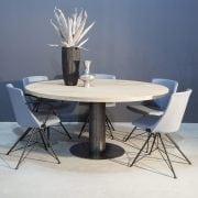 Ronde eikenhouten tafel met industrieel zwart staal | Concept Table