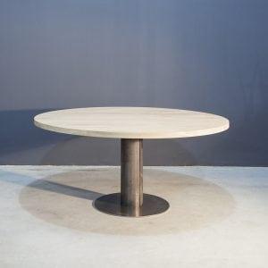Ronde eikenhouten tafel met industrieel zwart staal Kaal | Concept Table