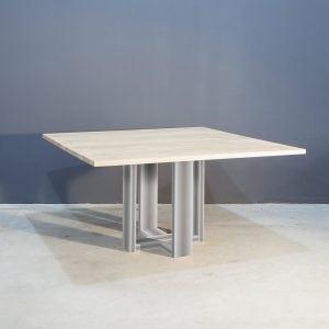 Vierkante eettafel met industrieel zwart staal Kaal | Concept Table