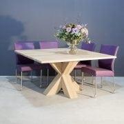 Vierkante eiken tafel met stoere kruispoot | Concept Table