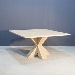 Vierkante eiken tafel met stoere kruispoot Kaal | Concept Table